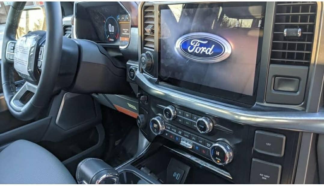 2021-ford-f150-interior1-jpg.631