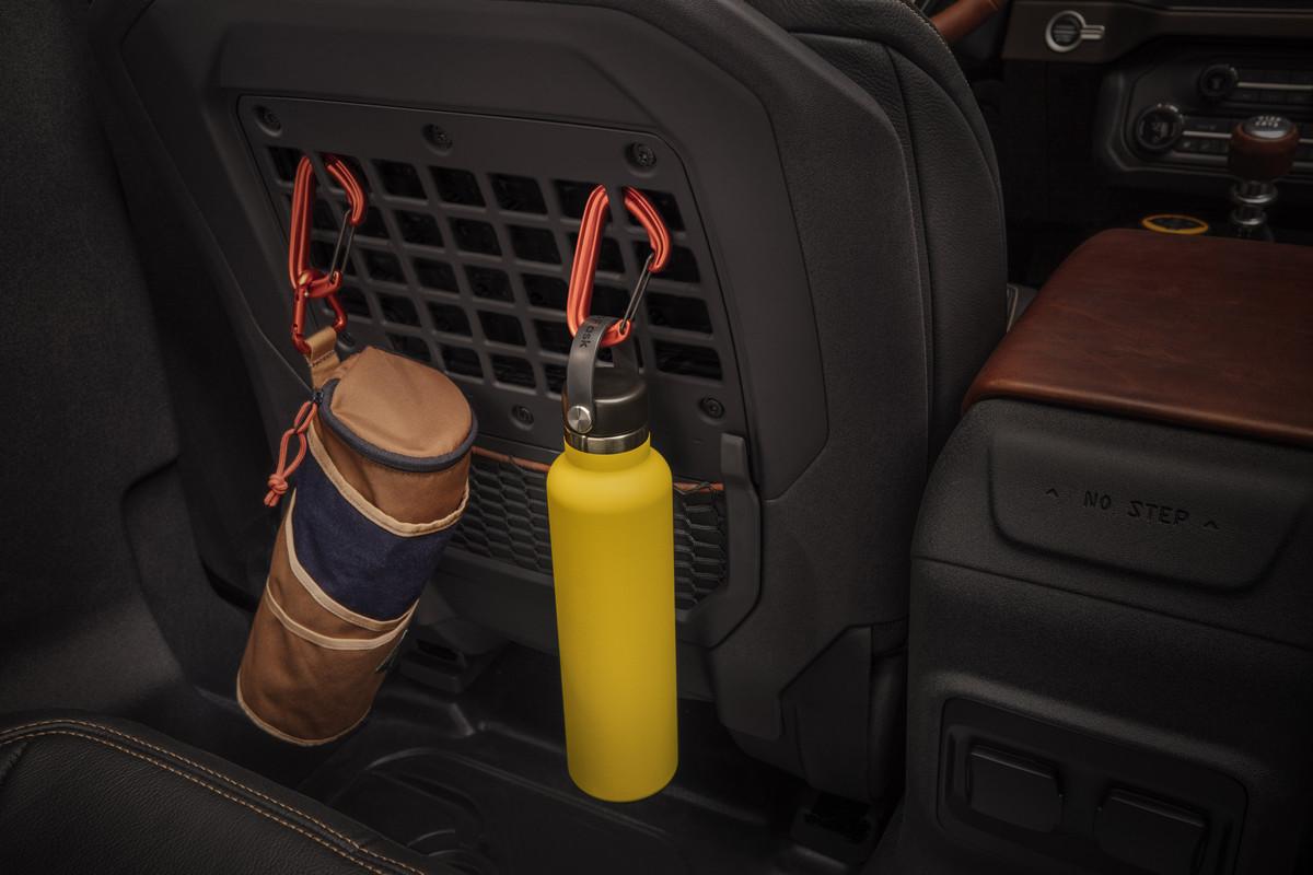 Bronco-2dr-Interior-05.jpg