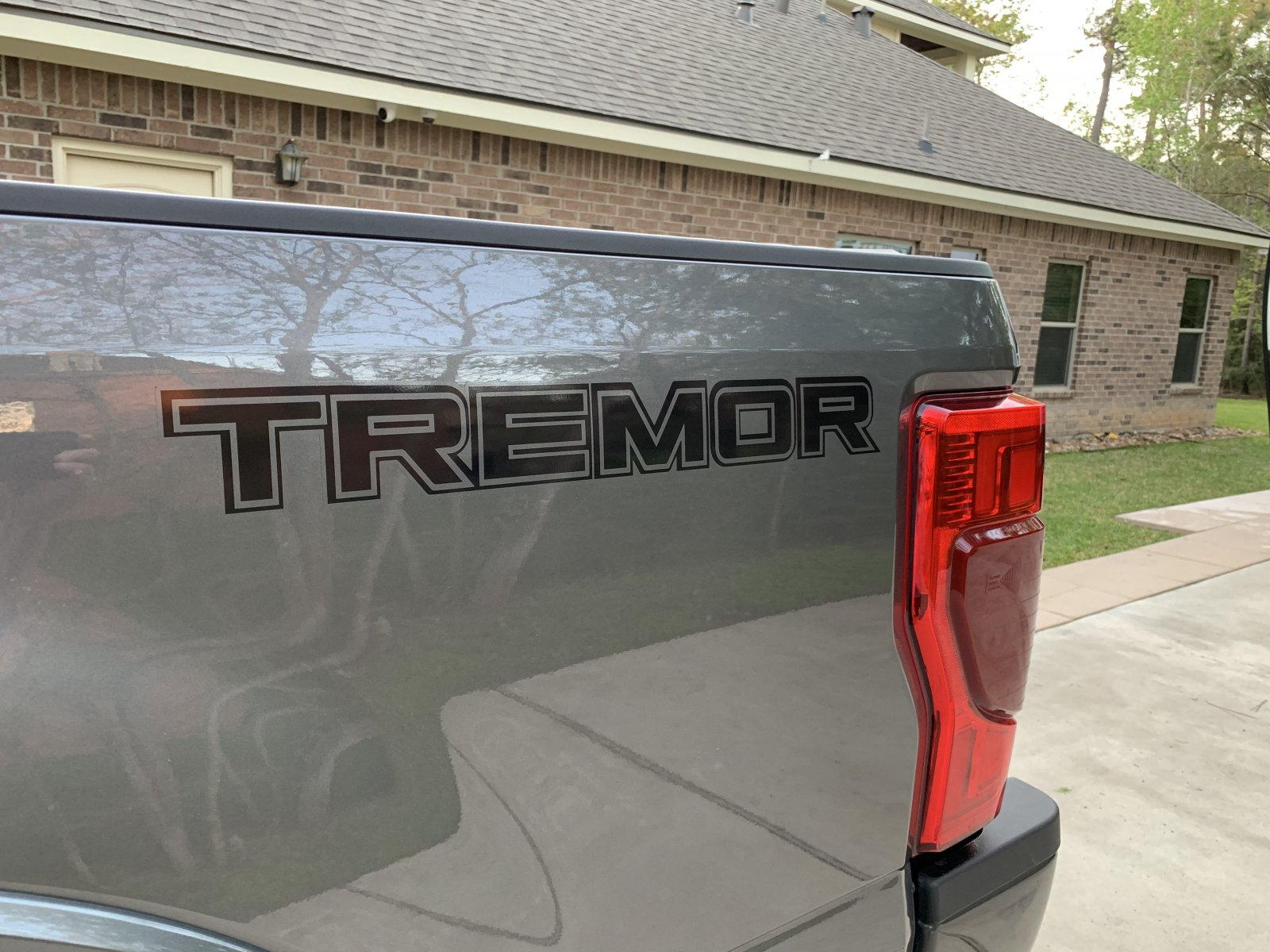 Tremor-Sticker.jpeg